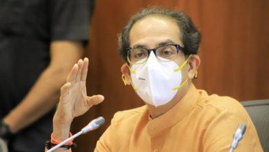 Uddhav Thackeray : 'ठाकरी गुगली'ने राजकीय गोंधळ! युतीचे संकेत की, दोन्ही काँग्रेसला इशारा?